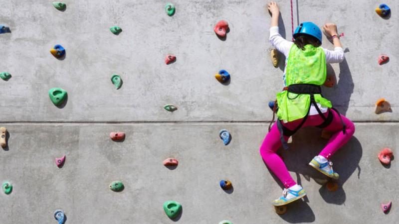 baby-climbing-11142012_fe